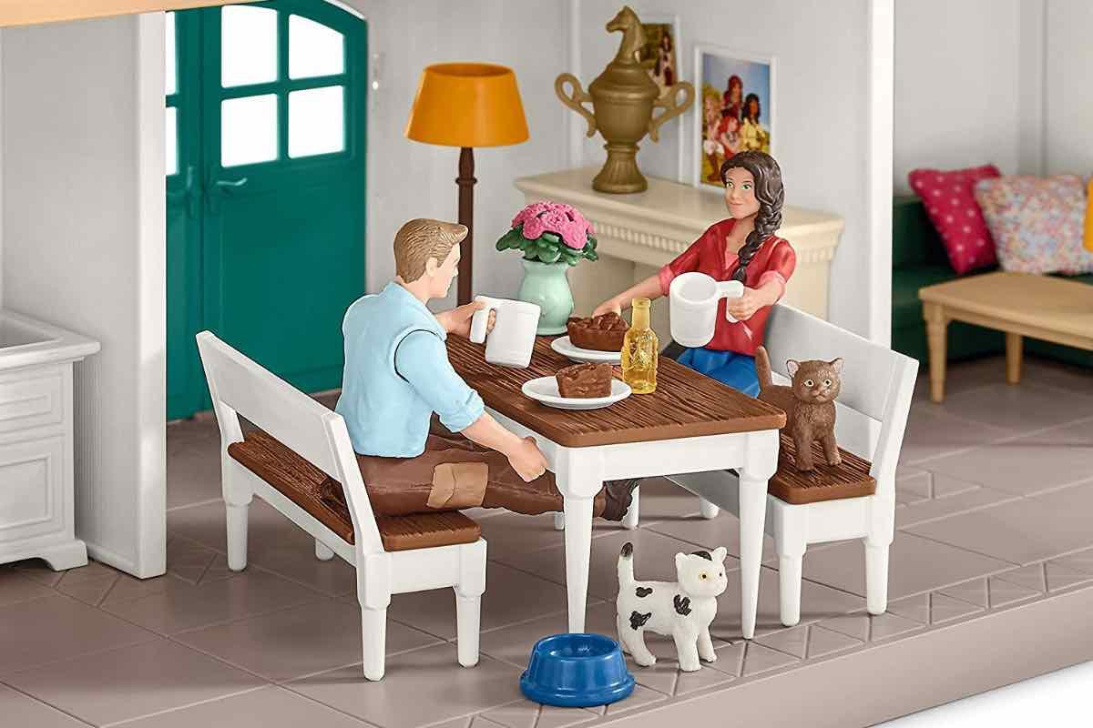 Schleich Pferdehof mit Wohnhaus und Stall, Küche und Zubehö , sowie Möbel für alle weiteren Räume inklusive