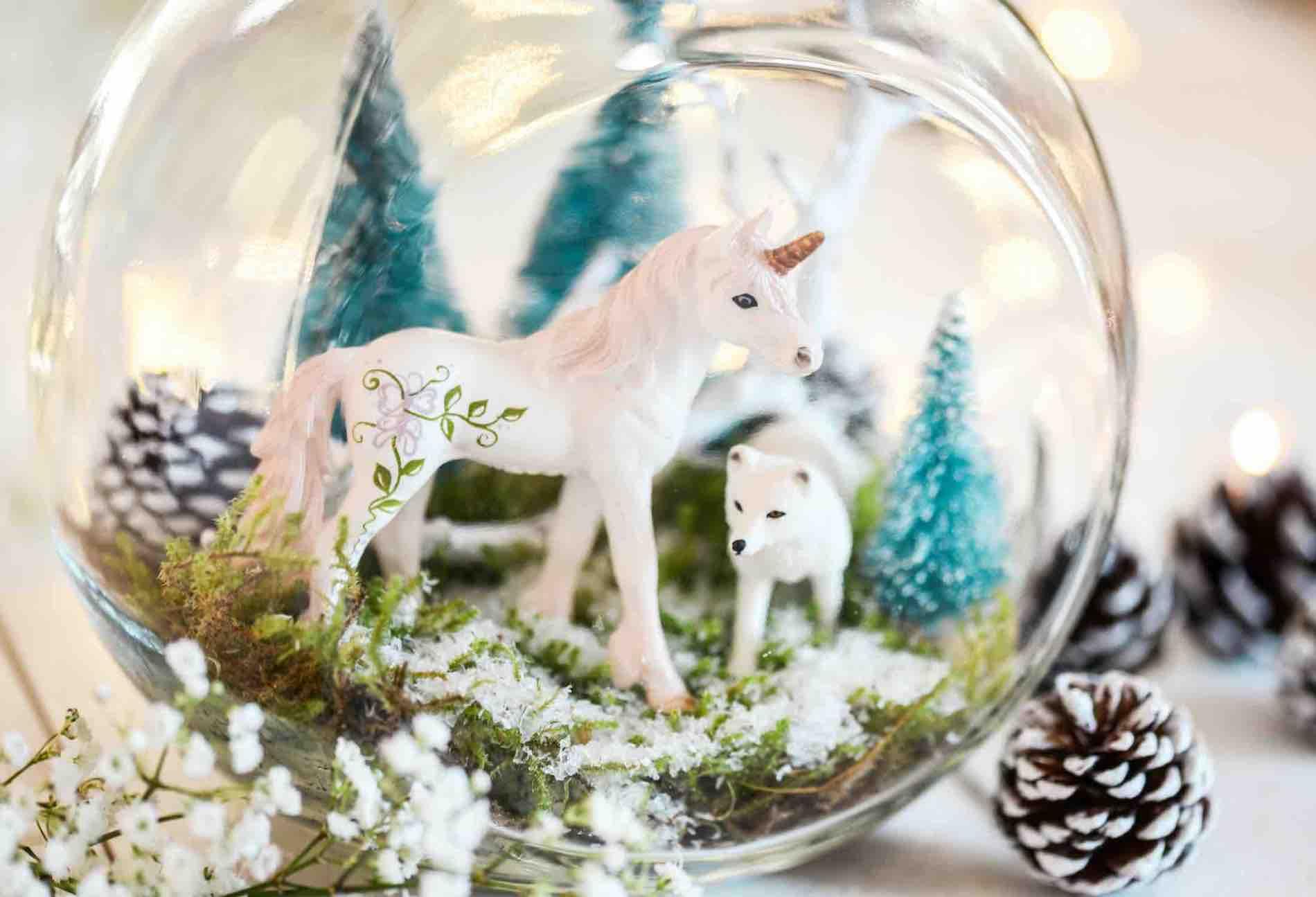 Weihnachtsdeko basteln mit Kindern, Weihnachten DIY, Winterlandschaft im Glas, Schleich Einhorn