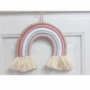 Regenbogen Wandbehang als schöne Dekoration für das Kinderzimmer.