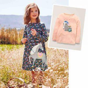 Mini Boden Kleid und Langarm mit Pferde-Motiv. Bekleidung für kleine Pferdefreunde.